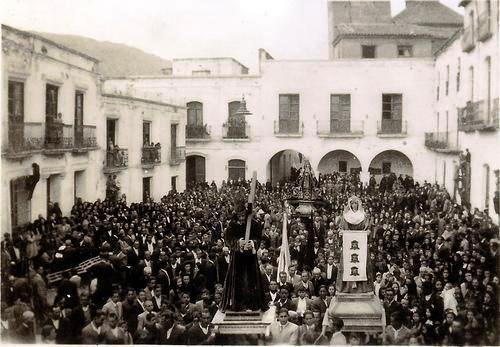 """PROCESION """"EL PASO"""". PLAZA MAYOR DE ABLA."""
