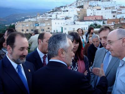 ENTREVISTA CON EL PRESIDENTE DE LA JUNTA DE ANDALUCÍA